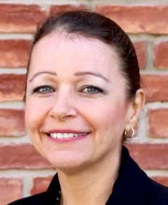 Mrs Patricia KING